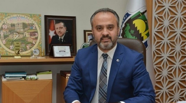 '30 Ağustos halkı ilgilendiren bir bayram değil' diyen AKP'li belediye başkanından geri adım: Evlilik tarihim 30 Ağustos