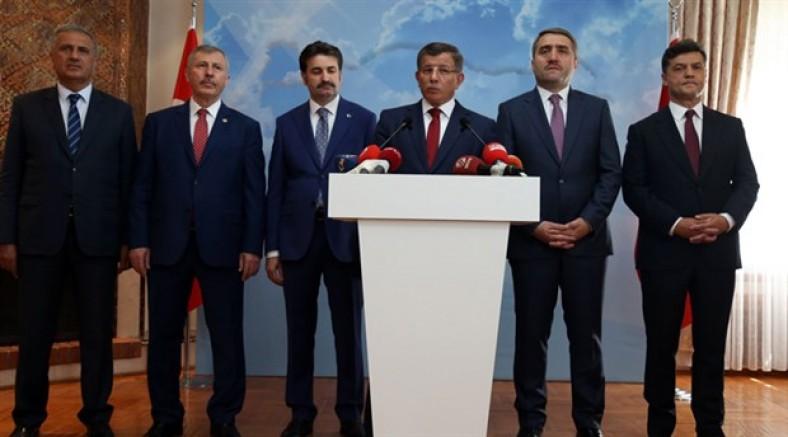 Davutoğlu ekibinden açıklama: 'En fazla oyu AK Parti'den alıyoruz'