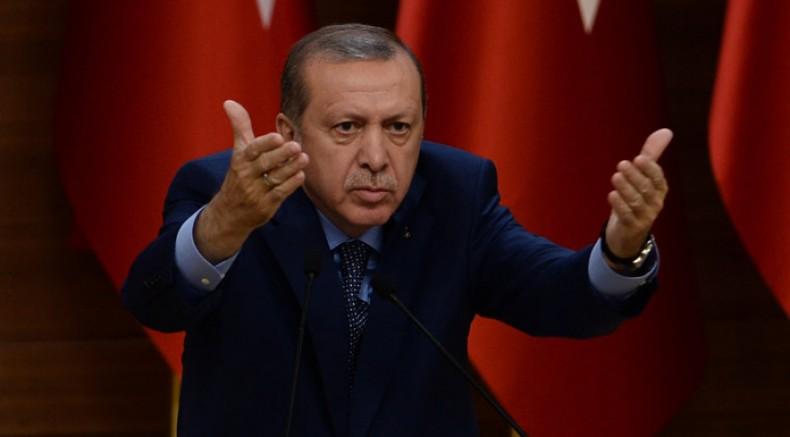 Erdoğan'dan 'Her şey çok güzel olacak' diyen taraftarlara tehdit: Hepsi kayda giriyor