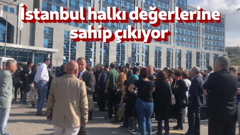 İmamoğlu'nun çağrısı sonrası vatandaşlar Adliye'ye akın etti